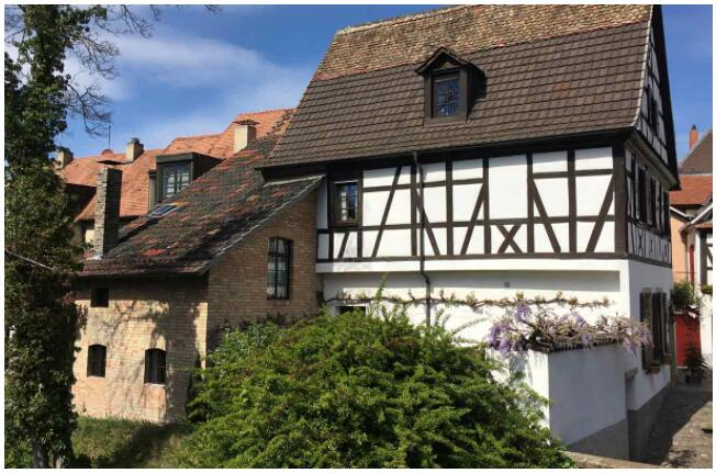 FLIGHTS, ACCOMMODATION AND MOVEMENT IN SPEYER